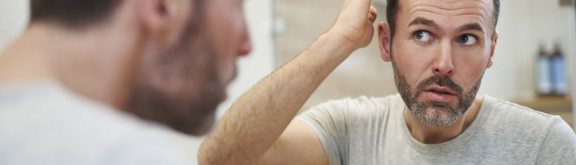 Haarausfall bei Männern: Arten, Ursachen & Mittel